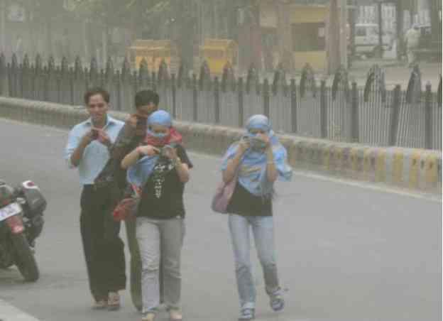 Delhi_dust strom_Hindu