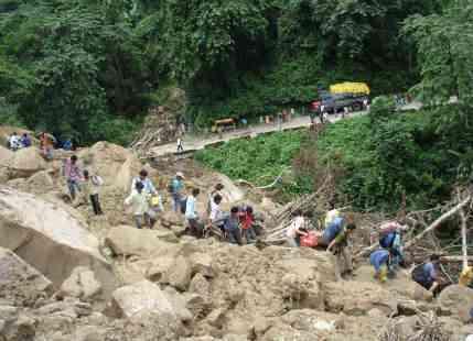 Heavy Monsoon rains block Gangtok-Sevoke national highway