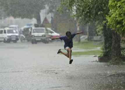 East India and Parts of Uttar Pradesh receive rain, more in the offing