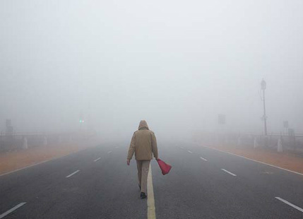 Dense fog in East UP and Bihar, mostly clear conditions in North India