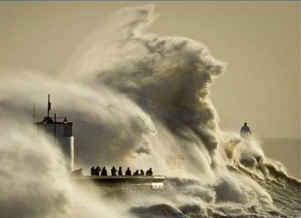 Global warming ocean storms