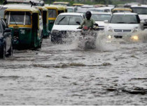 Heavy rains hit traffic in Delhi Newsx 429