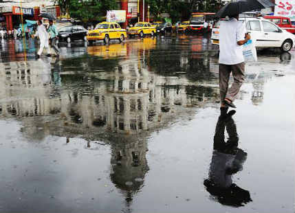 Fresh Monsoon system in Bay gives heavy rain over Kolkata