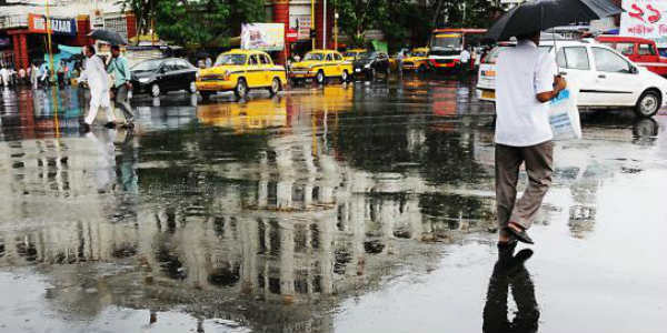 Low Pressure Area gives three digit rains over Kolkata
