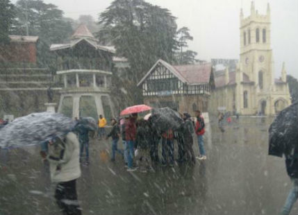 People in Shimla, Manali witness a snowy white Christmas
