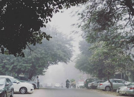 Delhi temperatures play see saw as winters enters its final stage