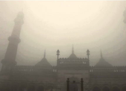 Varanasi, Agra report very dense fog, visibility drops to nil