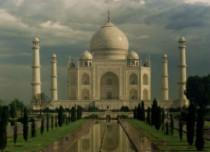 Rain in Taj Mahal