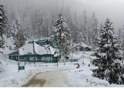 Record breaking rain and snow lash Gulmarg, Kashmir