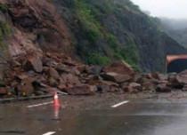 Jammu-Srinagar highway closed; avalanche alert for Kashmir, Himachal