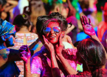 Holi in Delhi to be a cool affair, pleasant weather in offing