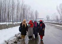 Snowfall-rain-in-Kashmir