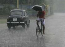 Heavy rains lash West Bengal, lightning strikes kill 5 in Purulia