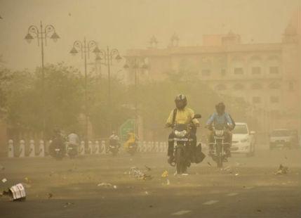 Jaipur--dust-storm-_Prokerala 600