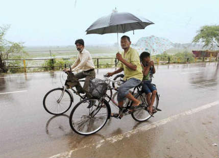 UP Rain, waiting for Monsoon The Hindu 429