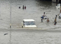 Gujarat floods claim nine lives; NDRF, IAF come to rescue