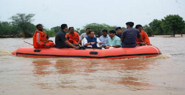 Gujarat flood CM Rupani in Banaskantha_News CDN 600A