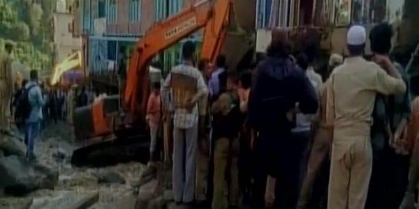 JK: Flash floods in Doda district following cloudburst; several people feared dead