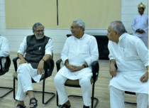 Sushil-modi-with-nitish-kumar_NDTV 429
