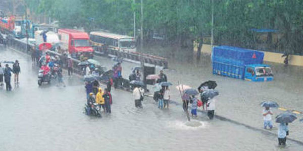 7dead as heavy rains lash several parts of Gujarat