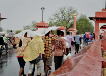 lucknow-rains-feature