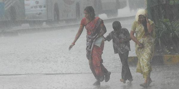 7dead as heavy rains lash several parts of Gujarat