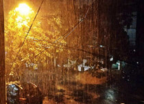 A rainy night for Chennai; heavy rains lash the capital city