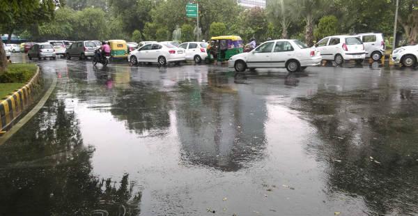 Delhi rain 600