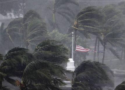 Hurricane Irma strangles Florida with two landfalls, 5 killed