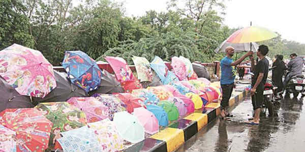 Rains to continue over South Gujarat for another 24 hours; dry weather in Ahmedabad