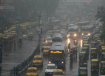 Well marked low gives heavy rain over Kolkata, more showers expected