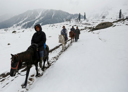 Snowfall in Kashmir and Himachal