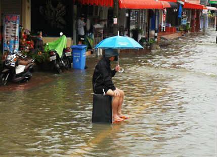 Low pressure to bring heavy rains, flash flooding, mudslides in South Thailand
