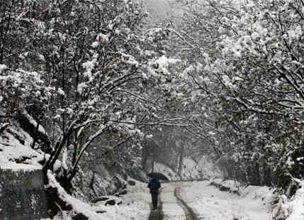 Heavy rain and snow in store for Kashmir, Himachal Pradesh