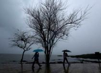 Cyclone Ockhi: Good rains in Mumbai, Dahanu, Alibag, light showers in Pune, Nashik