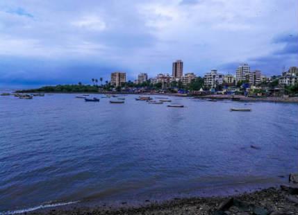 Mumbai rains to commence soon as Cyclone Ockhi nears