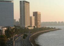 Minimums to play see saw over Mumbai