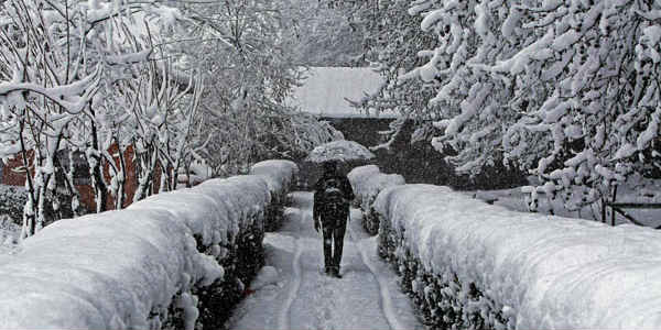 Icy winds grip Kashmir; Gulmarg records coldest night at -10 degree