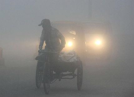 Very dense fog in Uttar Pradesh, visibility drops to nil in Lucknow, Gorakhpur