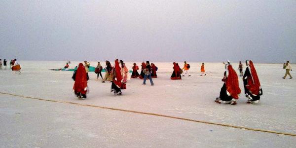 Gujarat enjoys pleasant weather while Rajasthan shivers