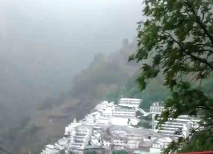 Rain and snow in Vaishno Devi