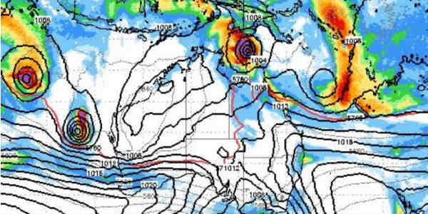 Cyclone set to make land as category 4