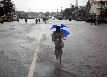 Heavy rains, lightning strikes to continue over Odisha