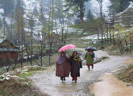 Rain in Kashmir and Himachal