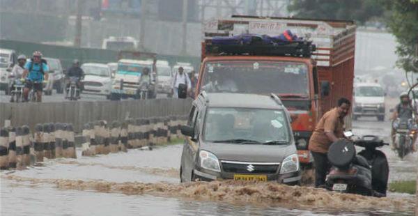 Flooding rain in Gorakhpur-- UNI 600