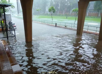 With 263 mm rains in Nagpur in six hours, city gets flooded