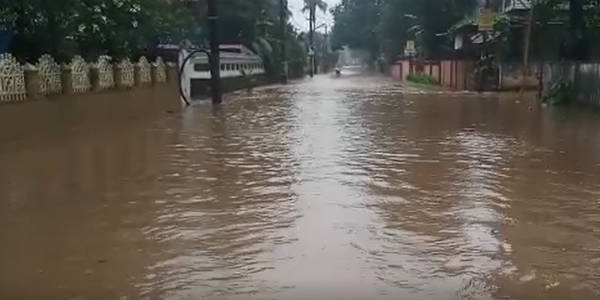 Death toll crosses 100 as Kerala Floods continue to remain grim