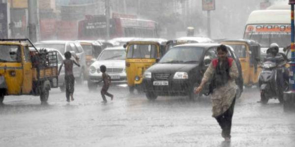 Heavy showers in Adilabad, Nizamabad, Warangal; Hyderabad rains to remain light