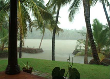 Hefty rains lash Wayanad, Palakkad, Punalur, Alappuzha