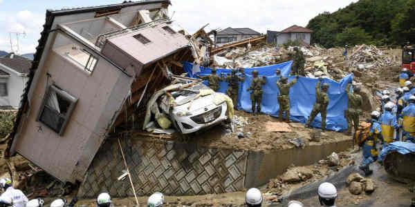 japan floods web